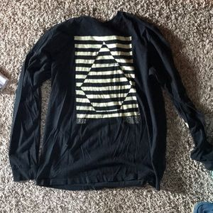 Volcom long sleeve barely worn